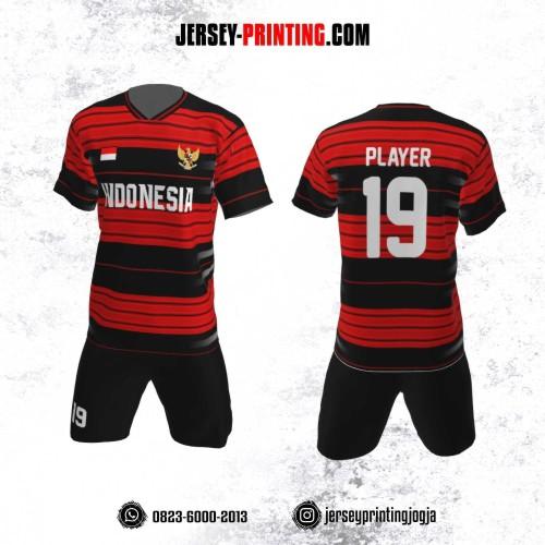 Jersey Futsal Motif Strip Merah Hitam